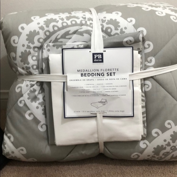 BRAND NEW POTTERY BARN TEENS BEDDING SET